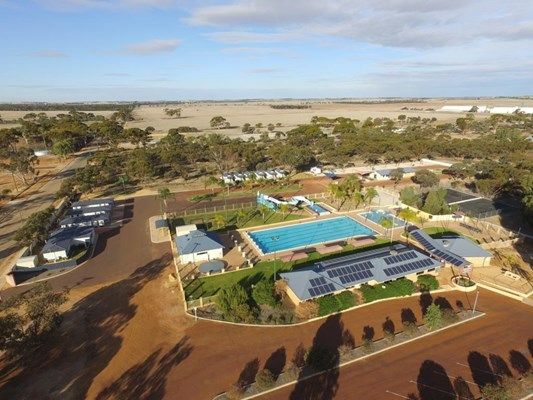 Bruce Rock - Pool and Caravan Park
