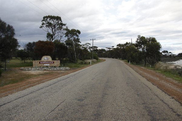 Newdegate - Entrance to Newdegate